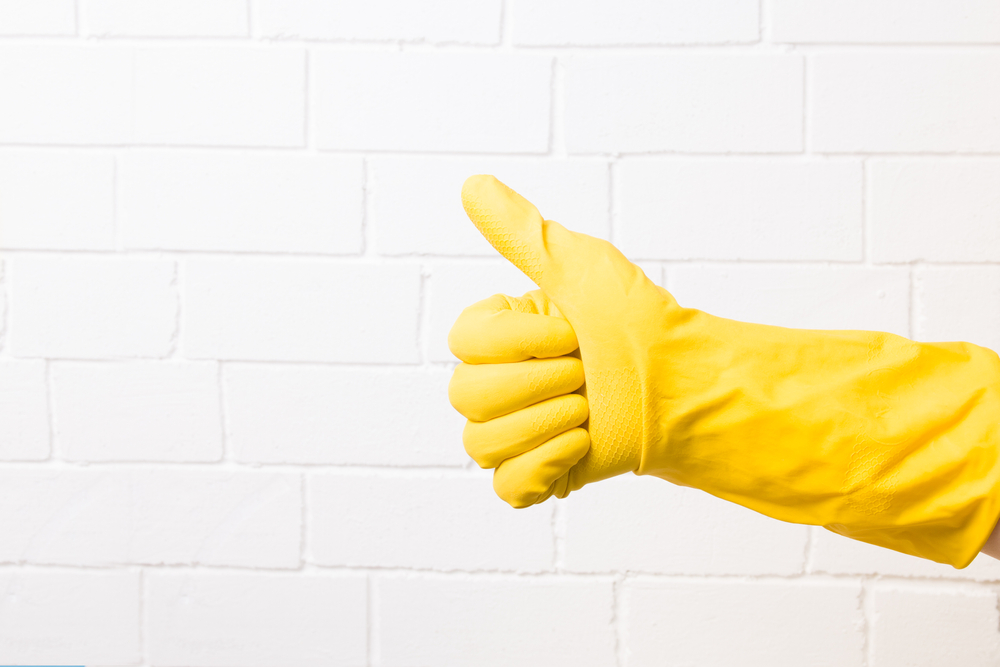 clean rubber glove thumbs up